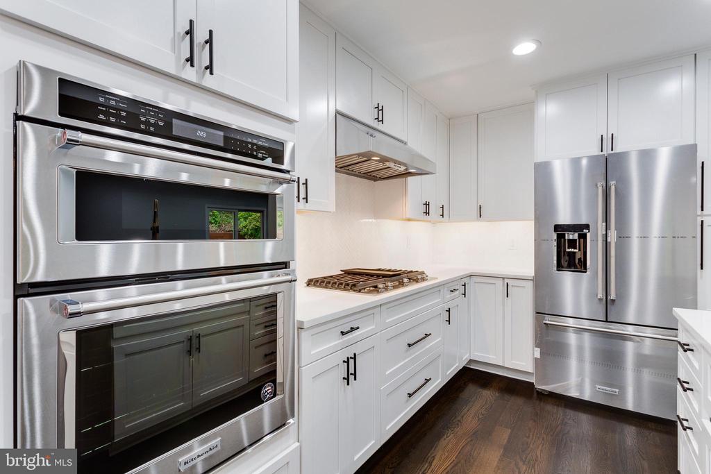 Brand New Stainless Steel Appliances - 5125 37TH ST N, ARLINGTON