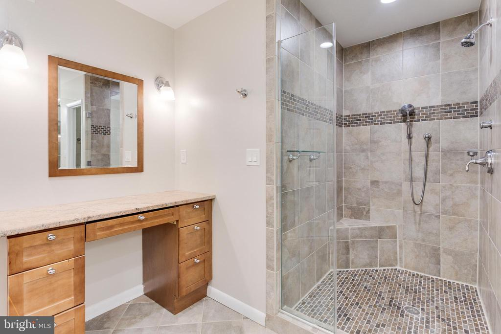 Master Bathroom with Make-up Vanity - 5125 37TH ST N, ARLINGTON