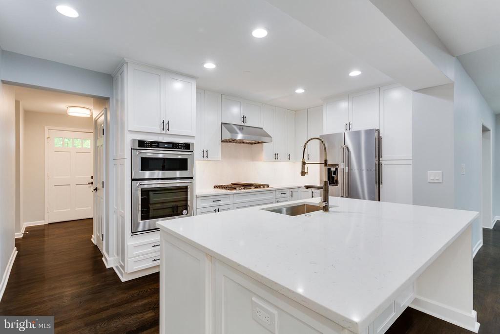 Kitchen - 5125 37TH ST N, ARLINGTON