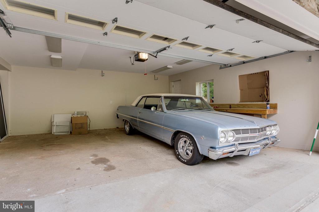 Two Car Garage - 5125 37TH ST N, ARLINGTON