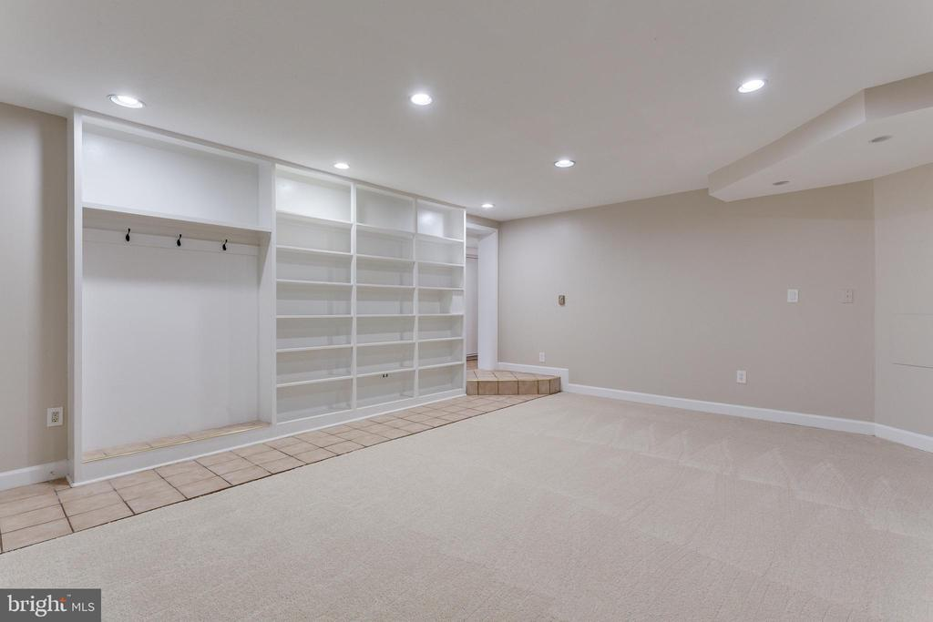 Recreation Room/Gym - Lower Level - 5125 37TH ST N, ARLINGTON