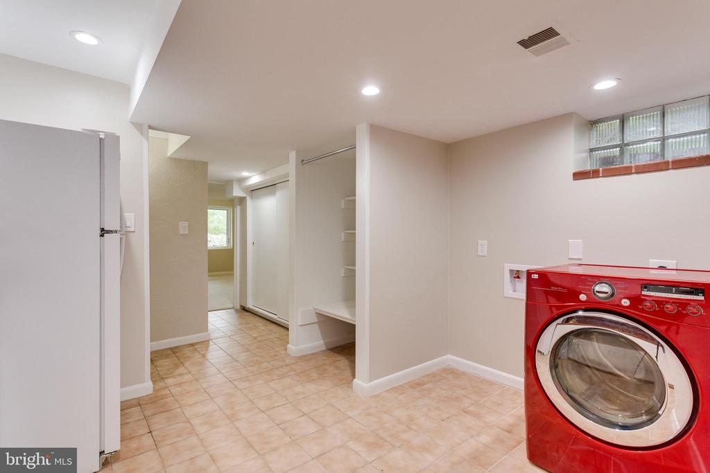 Laundry Room - Lower Level - 5125 37TH ST N, ARLINGTON