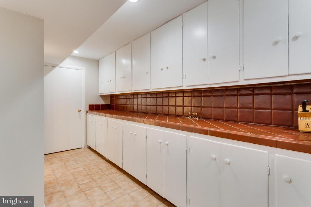 Kitchen Area - Lower Level - 5125 37TH ST N, ARLINGTON