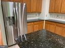 Stainless appliances and ceramic tile. - 6587 KIERNAN CT, ALEXANDRIA