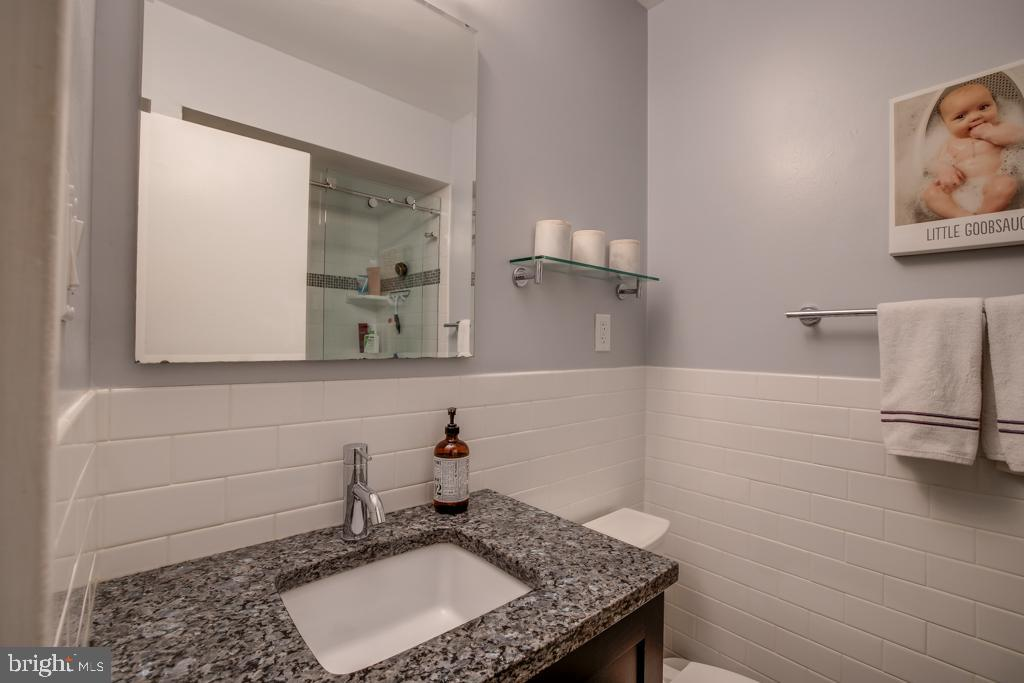 Updated master bathroom - 363 N ST SW #363, WASHINGTON