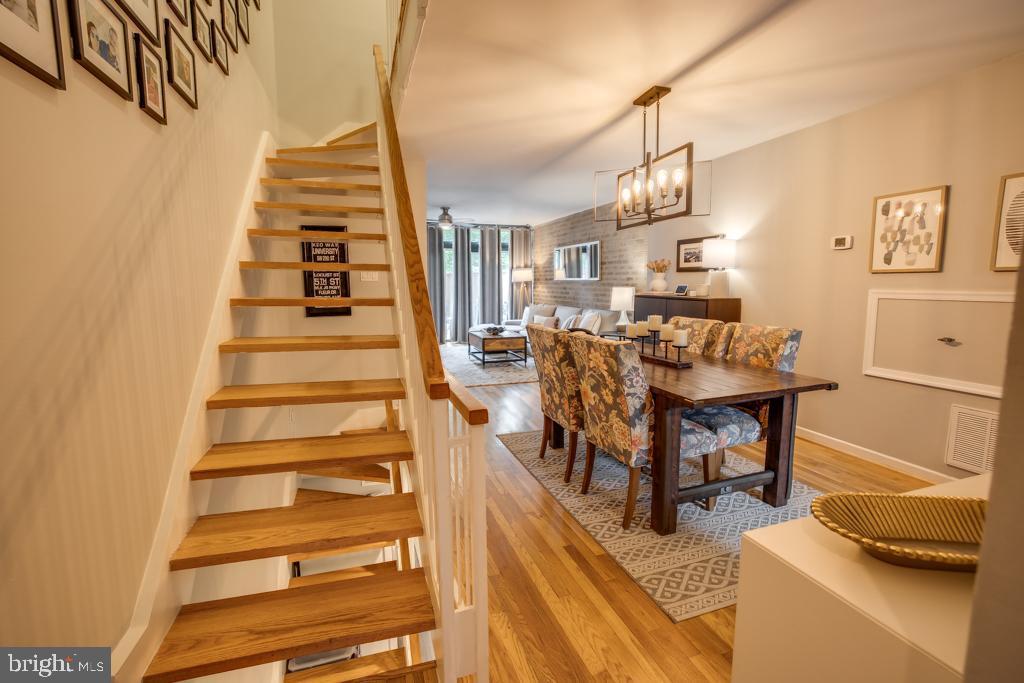 Spacious main level w refinished hardwood floor - 363 N ST SW #363, WASHINGTON
