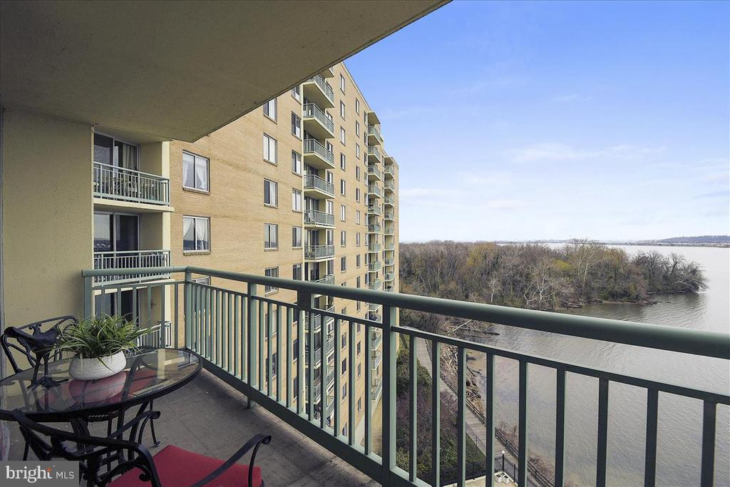 View looks north east to Downtown DC - 501 SLATERS LN #703, ALEXANDRIA