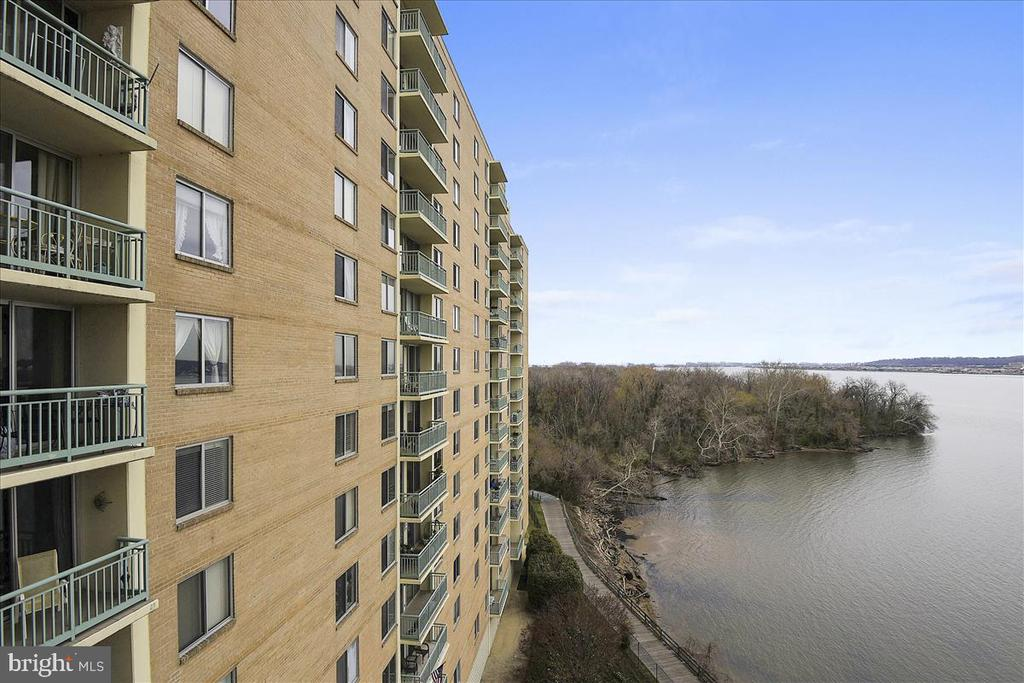 Views all the way to the Capitol - 501 SLATERS LN #703, ALEXANDRIA
