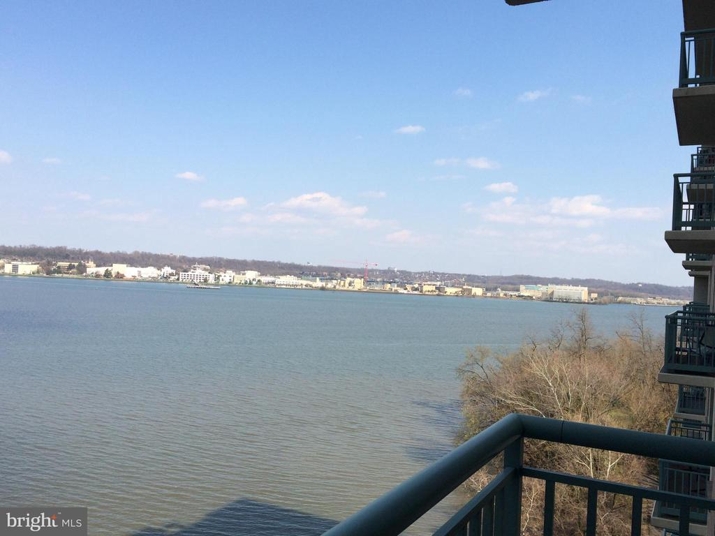 View looking South - 501 SLATERS LN #703, ALEXANDRIA