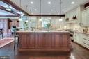 Fabulous Gourmet Kitchen - 809 HOMESTEAD LN, CROWNSVILLE
