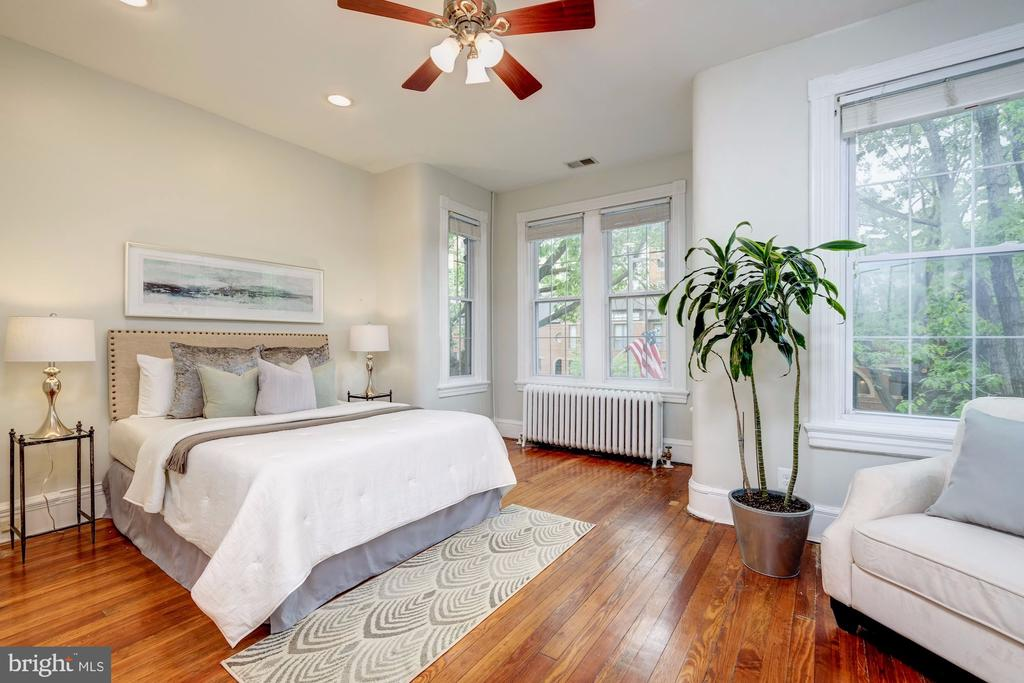 Master bedroom - 704 8TH ST NE, WASHINGTON