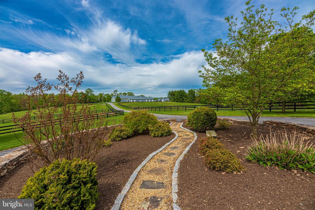 beautiful landscaping and view to barn - 6950 BURKITTSVILLE RD, MIDDLETOWN