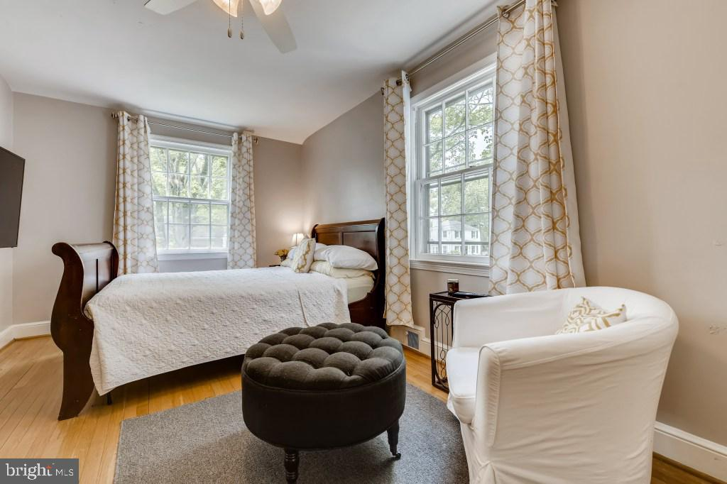 Main Level Bedroom/Office - 4501 AMHERST LN, BETHESDA