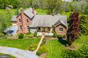 Landscaping pops with each season - 23158 CANNON RIDGE LN, MIDDLEBURG
