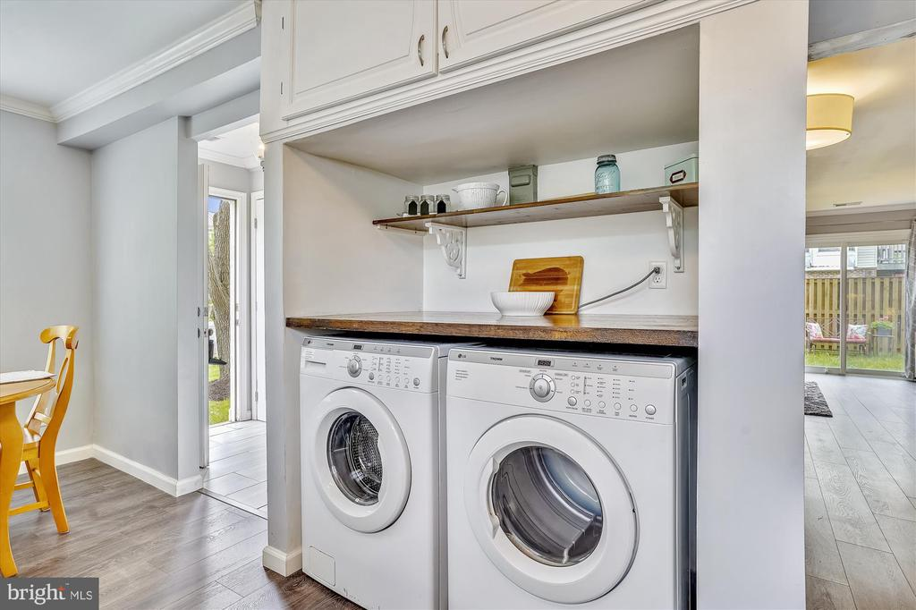 Built in laundry space in unit! - 16209 TACONIC CIR, DUMFRIES