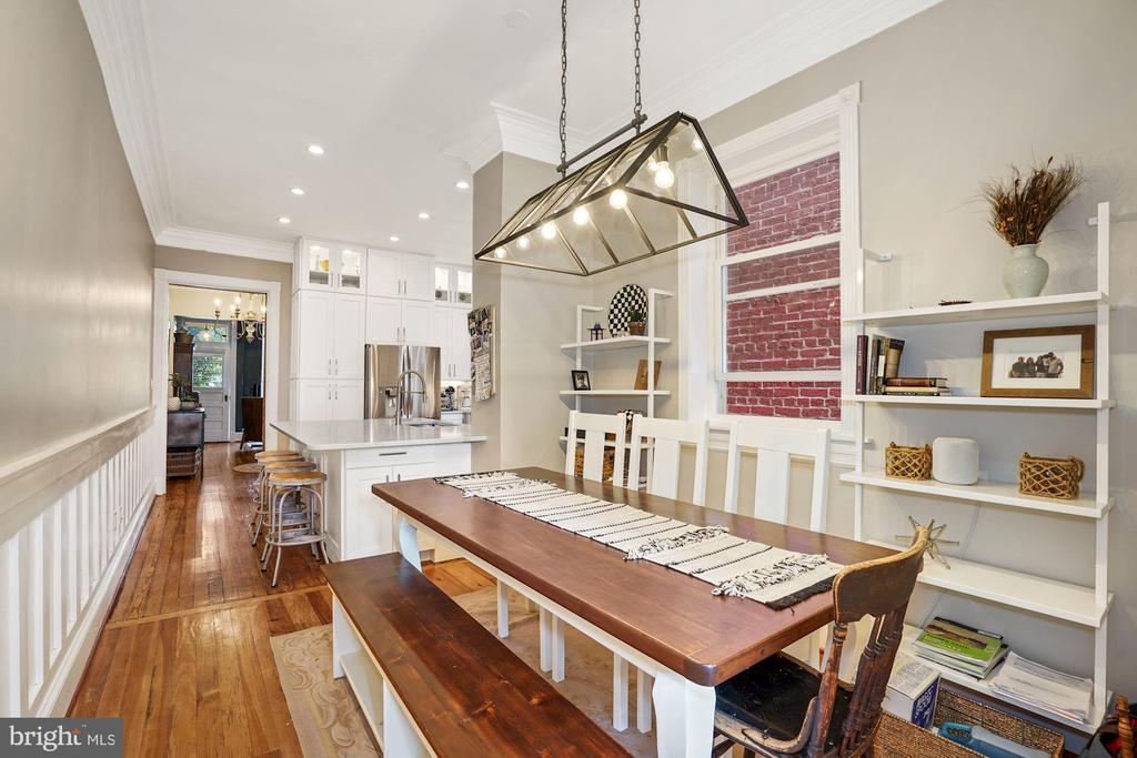 Main Level - Open Concept Kitchen/Dining - 524 1ST SE, WASHINGTON