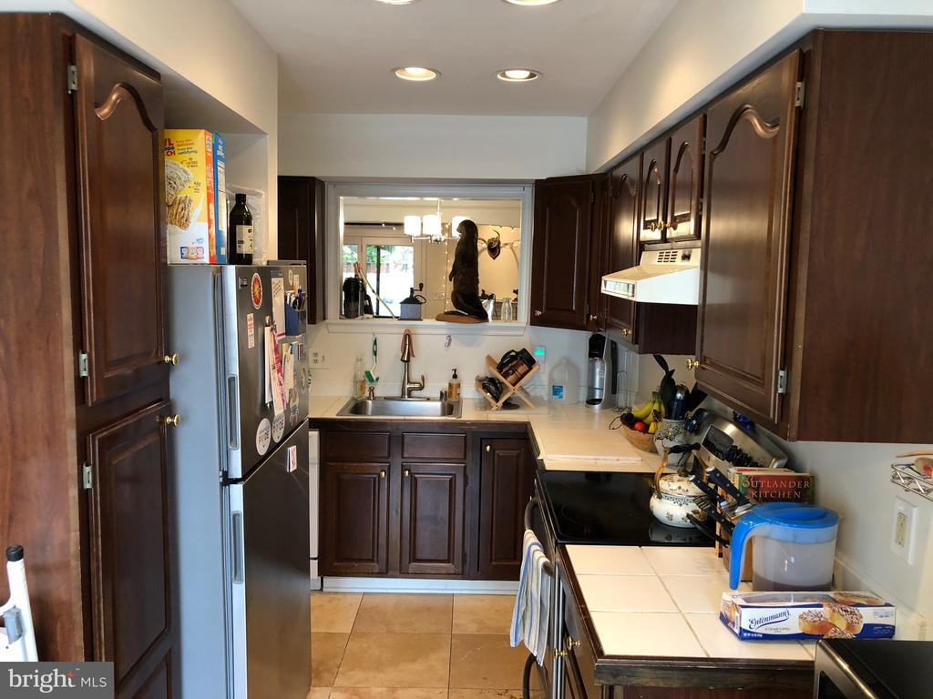 Galley Style Kitchen with pass through - 8 S CHERRY GROVE AVE, ANNAPOLIS