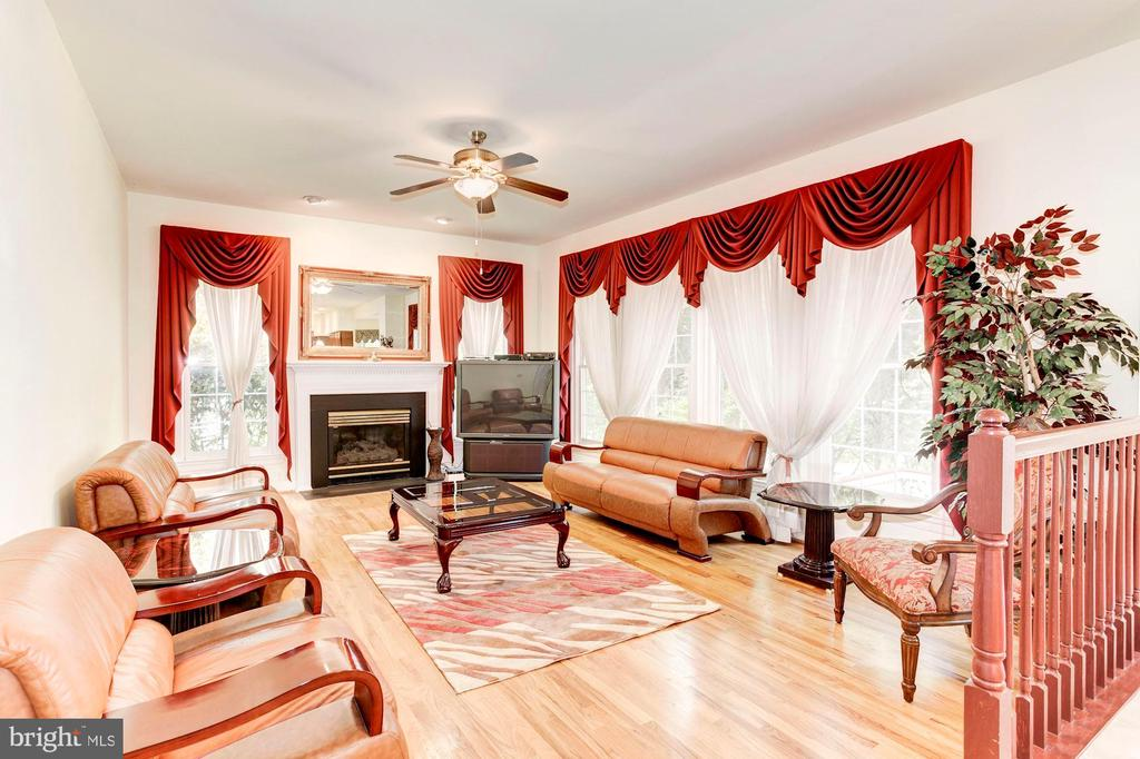 Family Room with Fireplace - 7104 DUDROW CT, SPRINGFIELD