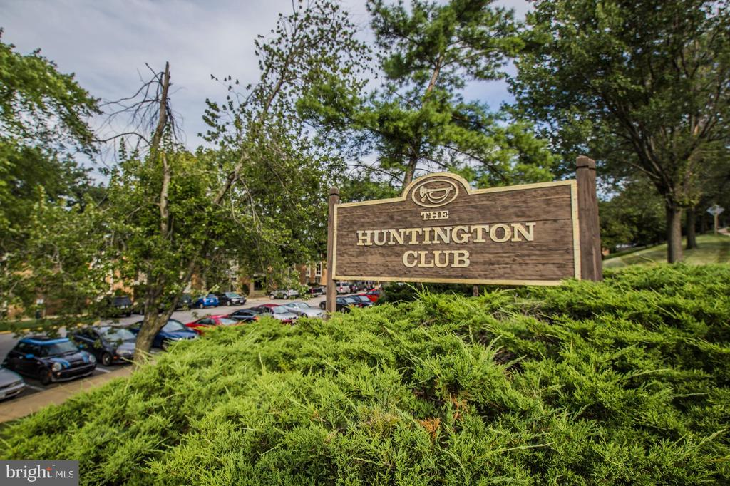 Huntington club condo - 2616 FORT FARNSWORTH RD #242, ALEXANDRIA