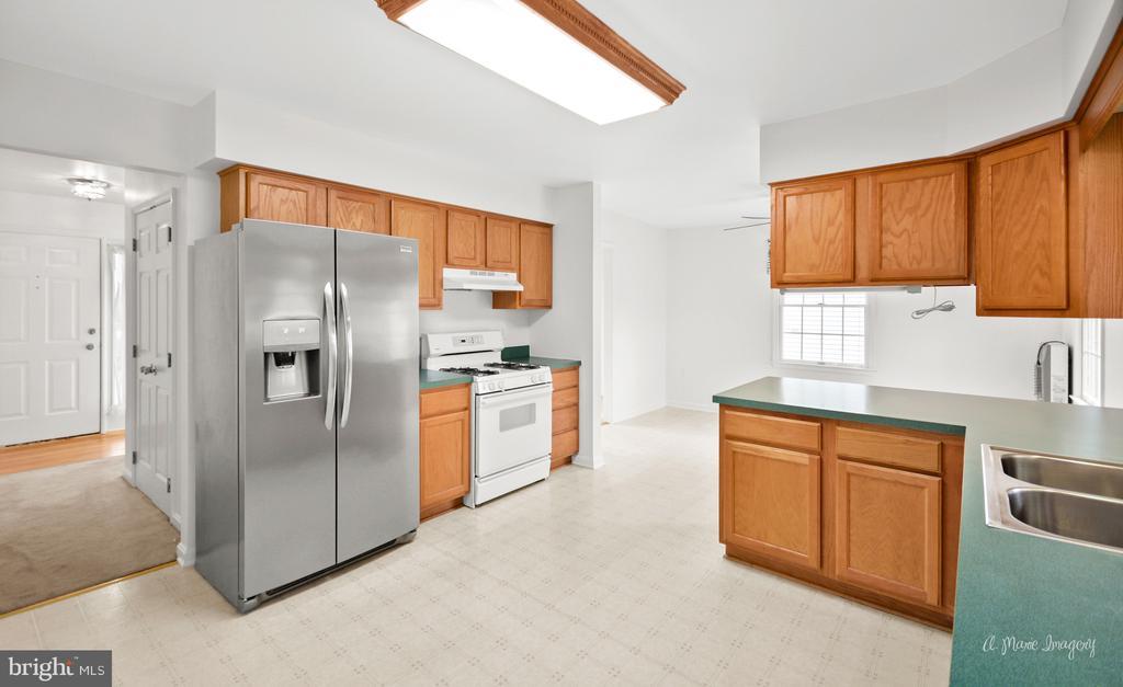 New Fridge and dishwasher - 103 S ADAMS ST, WOODSBORO