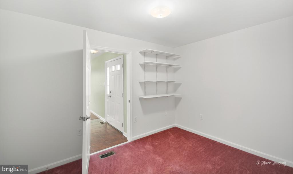 Large room with closet, could be office/craftroom - 103 S ADAMS ST, WOODSBORO