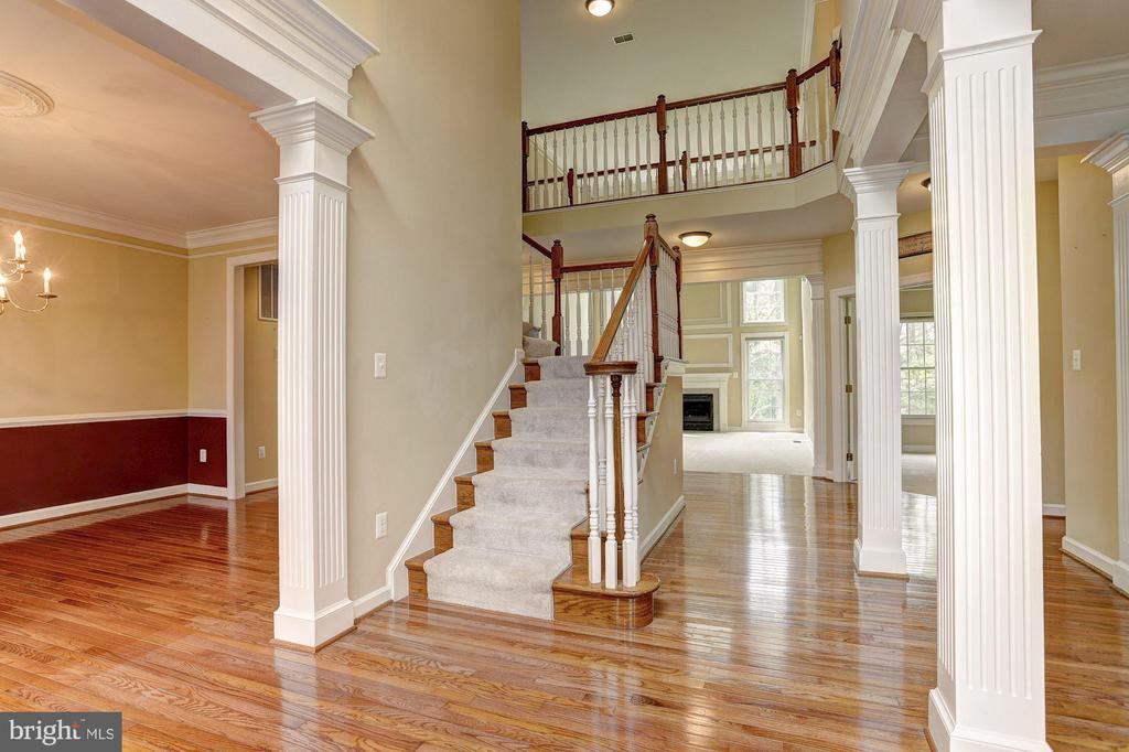 Two Story Foyer - 6115 HOLLY RIDGE CT, COLUMBIA