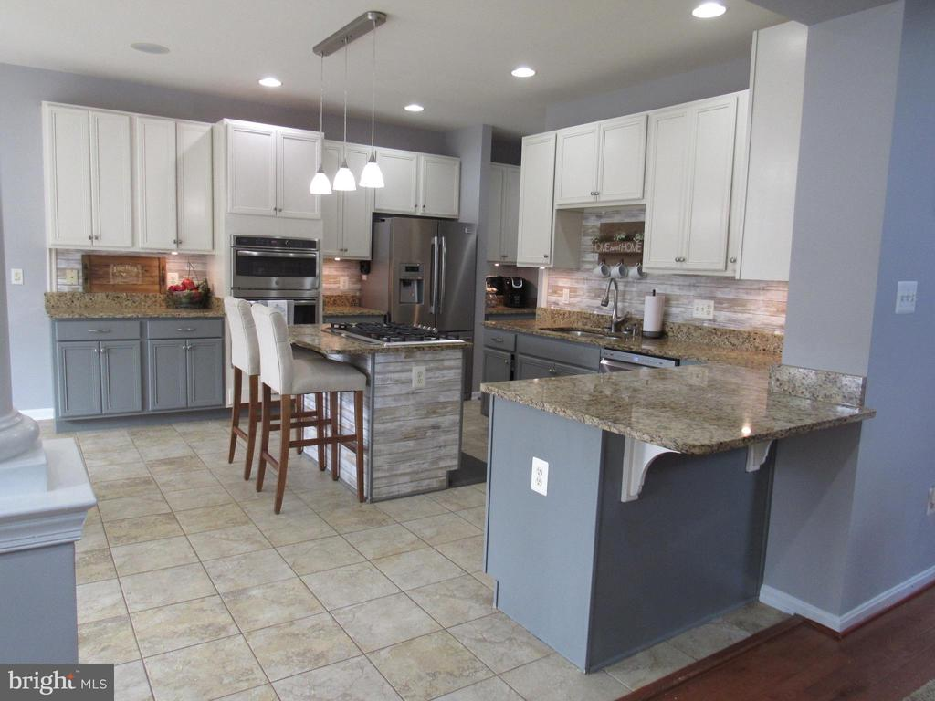 1st floor:  large kitchen with granite tops - 27 CAPE COD, MARTINSBURG