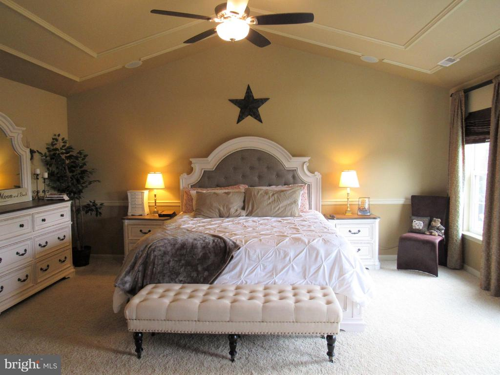2nd floor:  Huge Master bedroom with cathedrals - 27 CAPE COD, MARTINSBURG