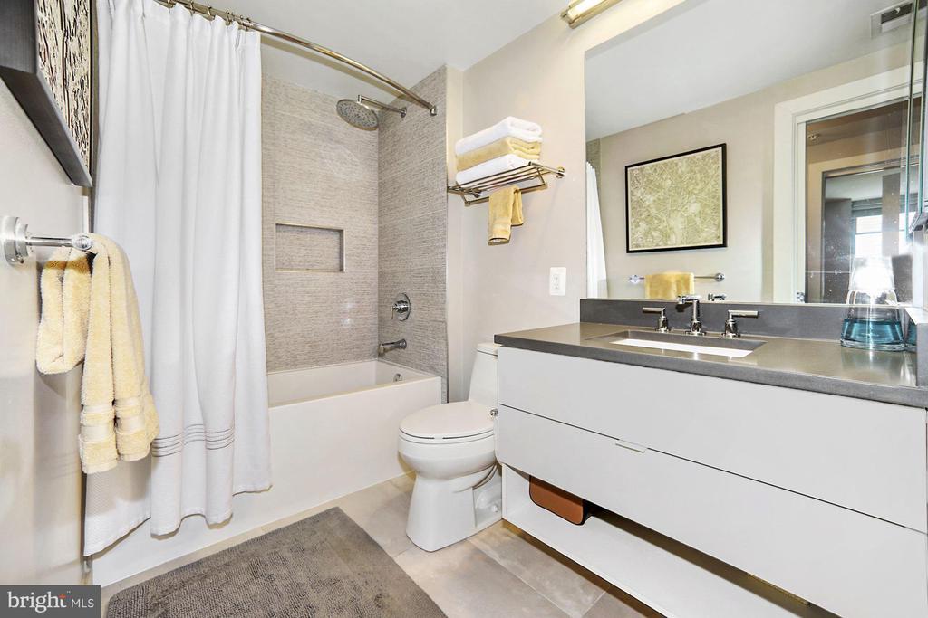 Bathroom - 1311 13TH ST NW #102, WASHINGTON