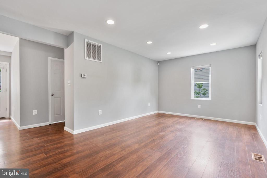Living Room - 4503 ALLIES RD, MORNINGSIDE