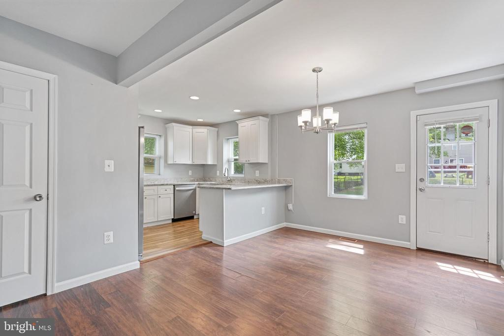 Open Concept Living Room and Dining Room - 4503 ALLIES RD, MORNINGSIDE