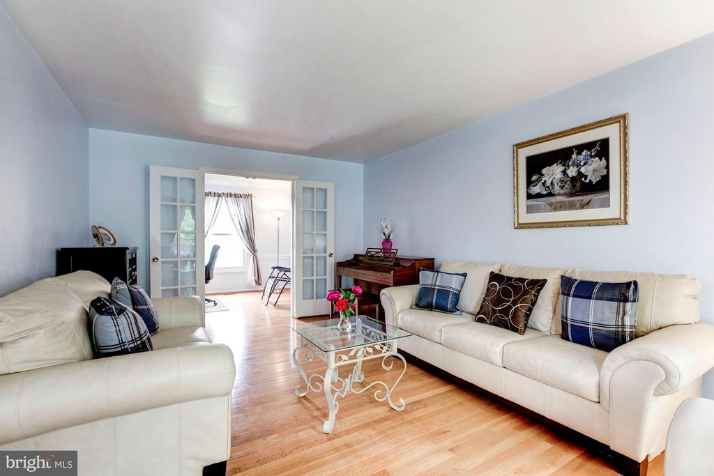 Hardwood Living Room - 11329 CLASSICAL LN, SILVER SPRING