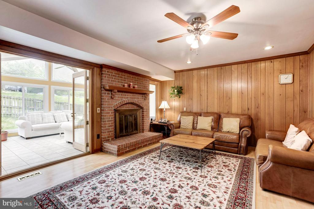 Laminate floor Family Room w/wood burning fireplac - 11329 CLASSICAL LN, SILVER SPRING