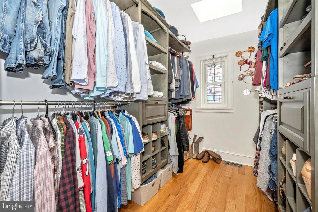 gorgeous and useful custom closet in MBR - 18 N WISNER ST, FREDERICK