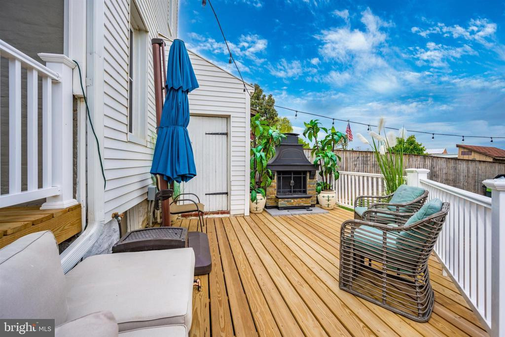 Beautiful deck,  features outdoor fireplace - 18 N WISNER ST, FREDERICK