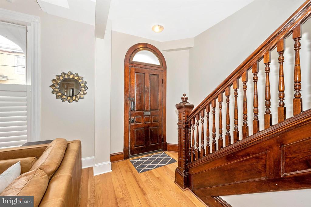Foyer entrance - 18 N WISNER ST, FREDERICK