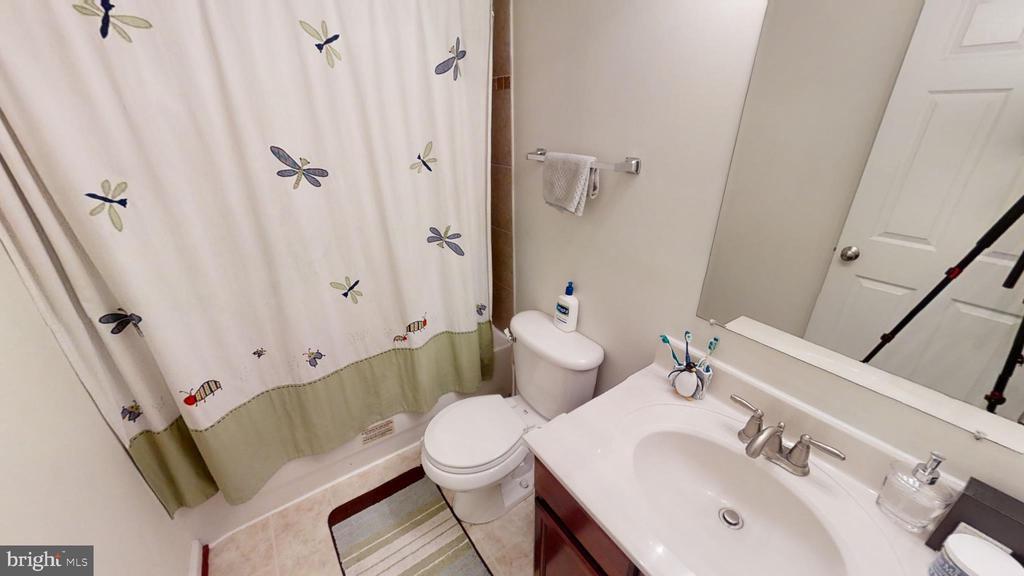 3rd bath in hall way - 28 NOVAK DR, STAFFORD