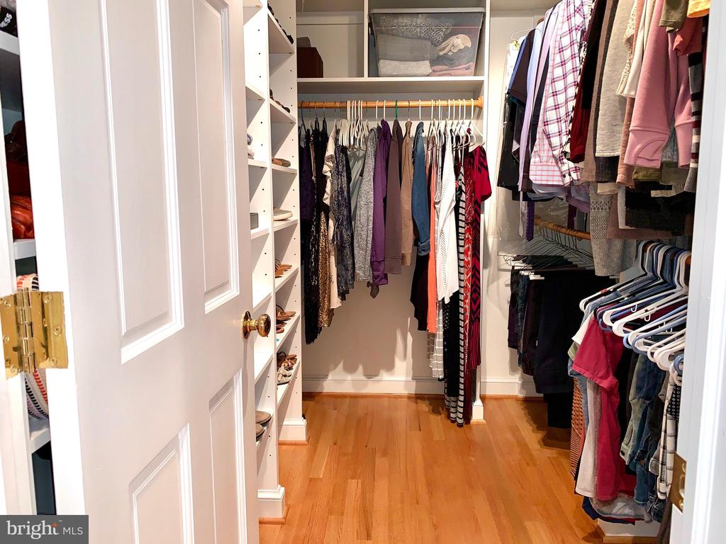 Master Walk-In Closet - 5526 18TH ST N, ARLINGTON