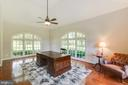 Tons of natural light - 17072 SILVER CHARM PL, LEESBURG