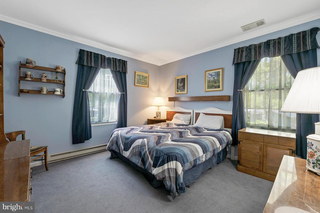 2nd bedroom on the main level - 1218 WASHINGTON DR, ANNAPOLIS