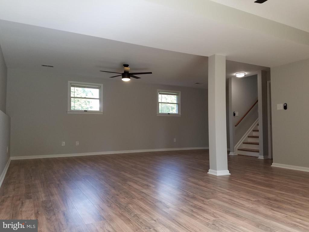 Spacious open family room - 3290 POMMEL CT, MOUNT AIRY