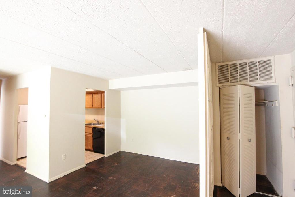 HVAC maintenance included in condo fee - 2616 FORT FARNSWORTH RD #242, ALEXANDRIA