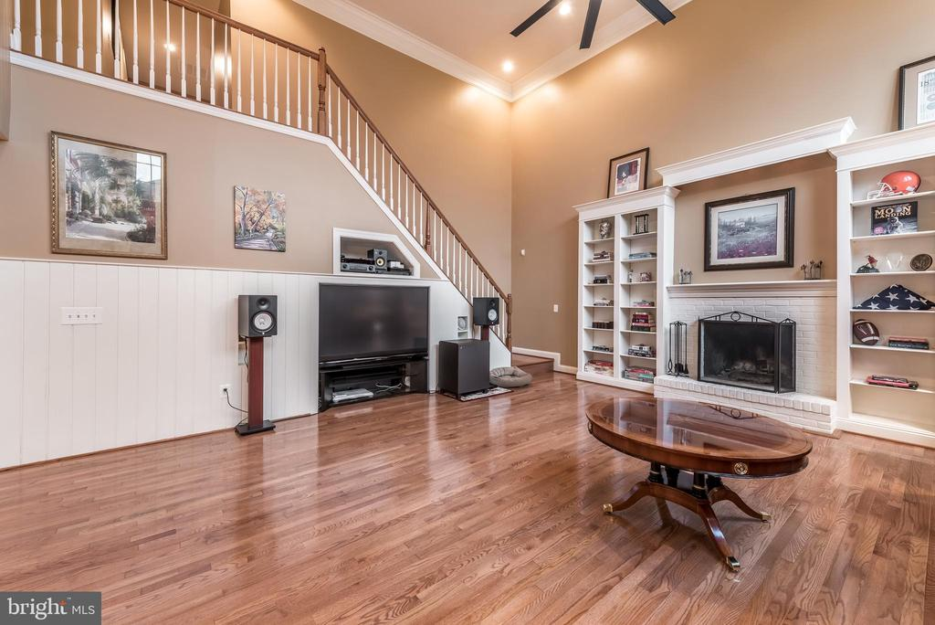 Custom shelving and fireplace - 15609 RYDER CUP DR, HAYMARKET