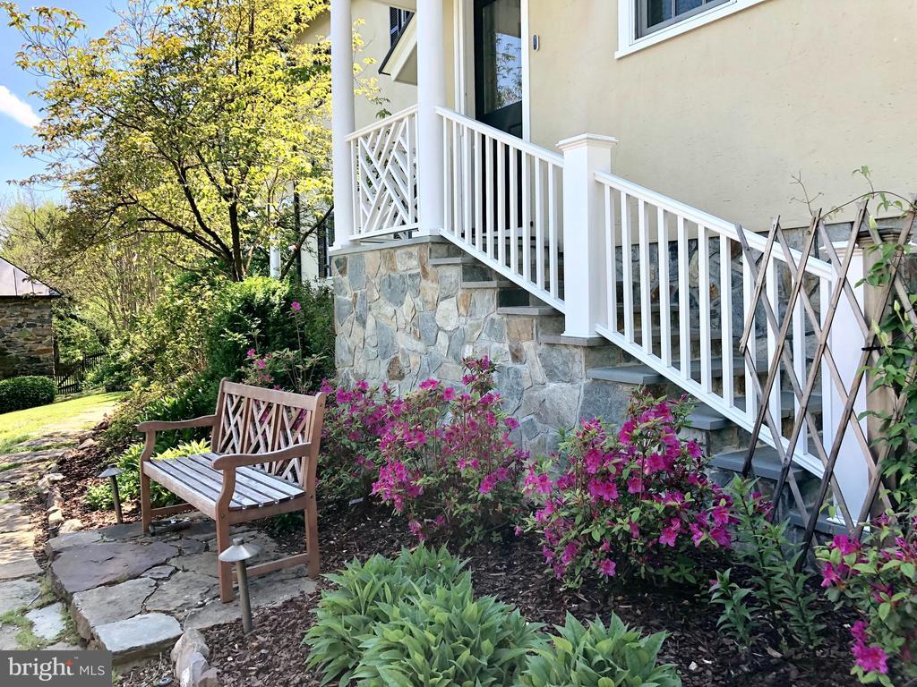 Garden off kitchen - 38025 JOHN MOSBY HWY, MIDDLEBURG