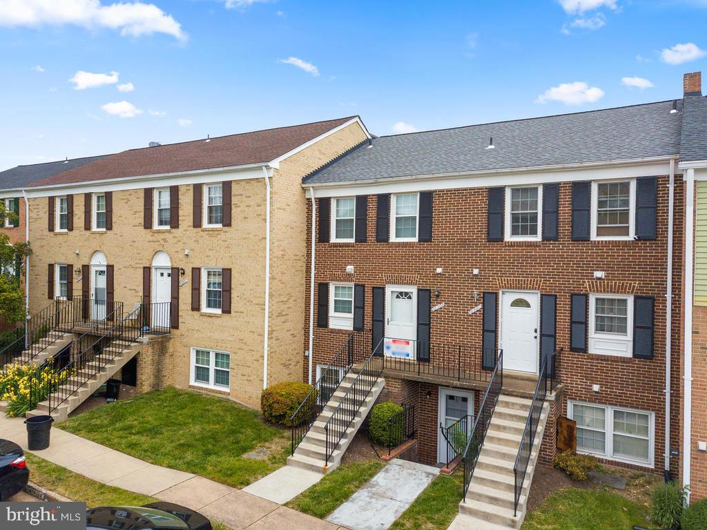 The roof was recently replaced by the condo assn. - 1030-B MARGATE CT, STERLING