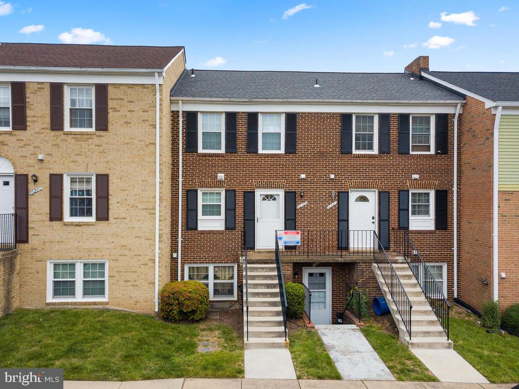 Welcome Home! - 1030-B MARGATE CT, STERLING