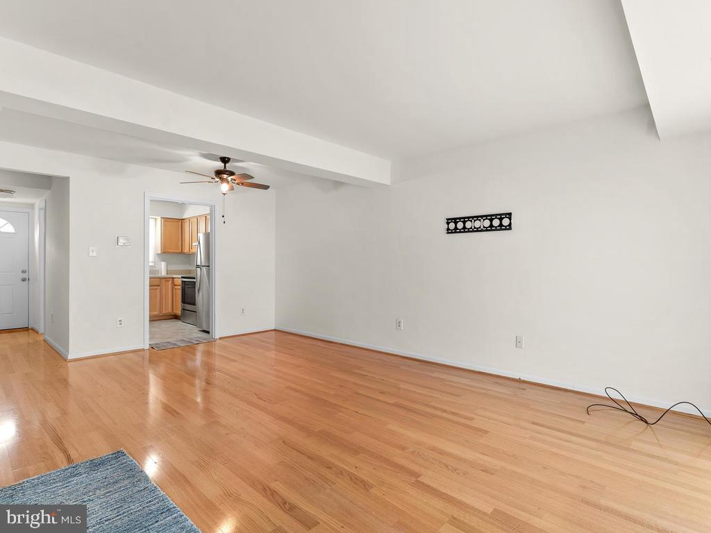 Ceiling fan in the dining area. - 1030-B MARGATE CT, STERLING