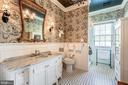 Second master bath & 4th full bath on second floor - 38025 JOHN MOSBY HWY, MIDDLEBURG