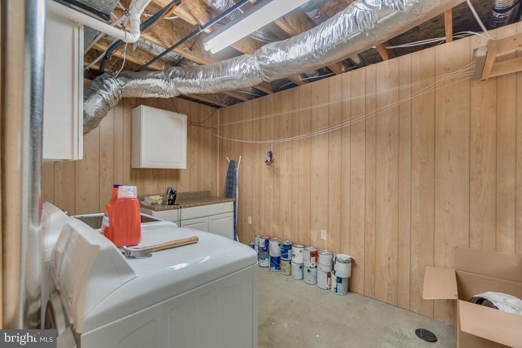 Basement Laundry Area - 9508 TIMBERLAKE RD, FREDERICKSBURG