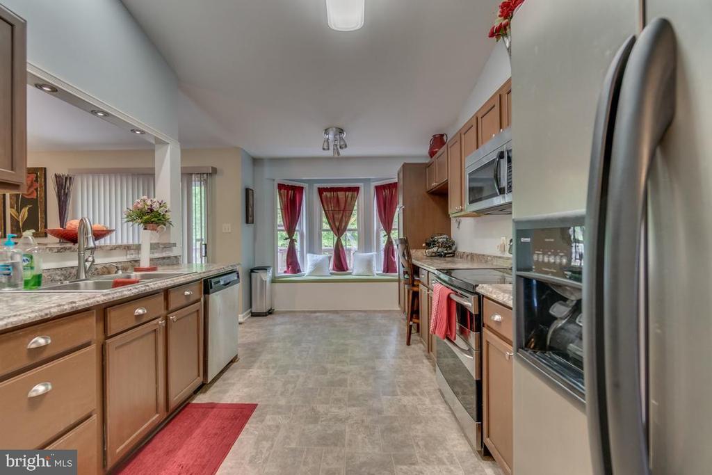 Kitchen view 4 - 9508 TIMBERLAKE RD, FREDERICKSBURG